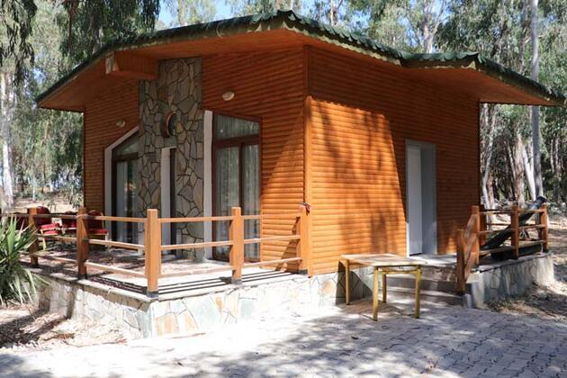 Bungalov evler ve karavanlar tatilcileri bekliyor