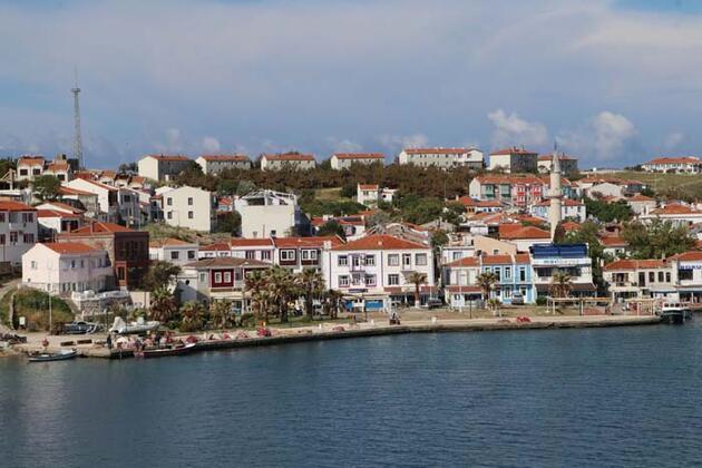 Bozcaadalı turizmcilerden, 'rezervasyonsuz yola çıkmayın' uyarısı