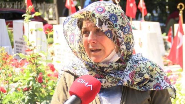 Son dakika... Edirnekapı Şehitliği'nde buruk bayram