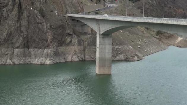 Son dakika... Çoruh Nehri üzerindeki 3 barajda, su seviyesi azaldı