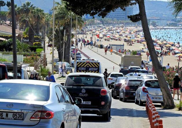 Son dakika... Nüfus 1 milyonu aştı! Adım atacak yer yok... Sağlık Bakanı Koca'dan uyarı geldi: 'Birinci dalga sahillere indi'