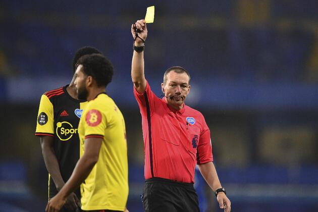 Premier Lig'de öksürene kart çıkacak!
