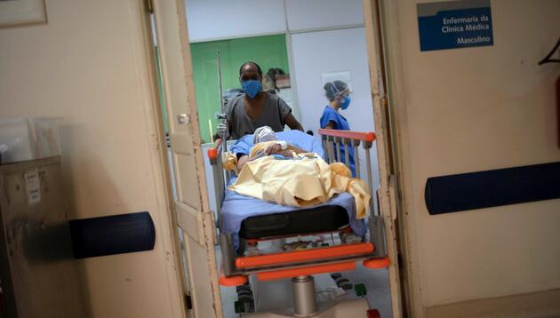 Can kaybı ve vakalar artmaya devam ediyor: İşte koronavirüste anbean yaşananlar
