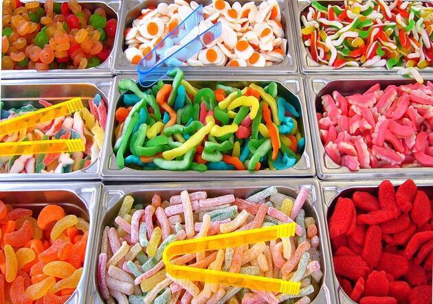 İşte en sağlıksız besinler listesi! Çocuklarınızı uzak tutun