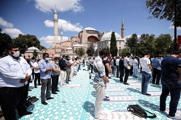 Son dakika... Ayasofya Camii'ne yoğun ilgi devam ediyor