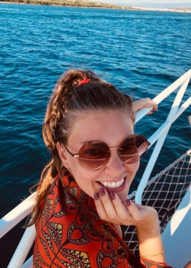 Aslı Enver'den eğlenceli tatil pozları!