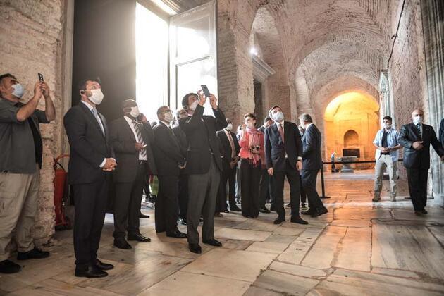 Cumhurbaşkanlığı Sözcüsü Kalın, büyükelçilerle Ayasofya-i Kebir Camii'ni ziyaret etti