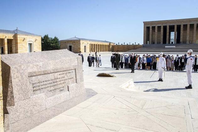CHP Genel Başkanı Kılıçdaroğlu, Anıtkabir'i ziyaret etti