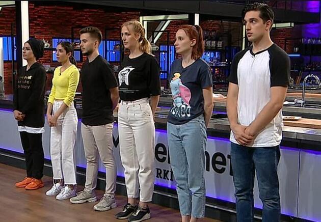 İşte MasterChef Türkiye'de yarışmaya hak kazanan sekiz isim