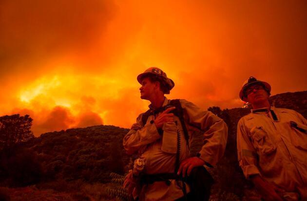 ABD'de yangın kabusu: Yüzlerce ev boşaltıldı
