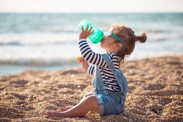 Çocuğunuzu güneş çarpmasından bu yöntemlerle koruyun!