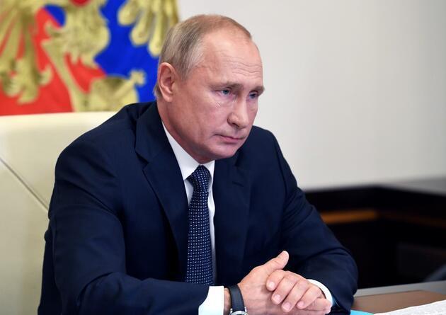 Koronavirüs aşısı ve fiyatının duyurulmasının ardından Rusya'da şaşırtan istifa