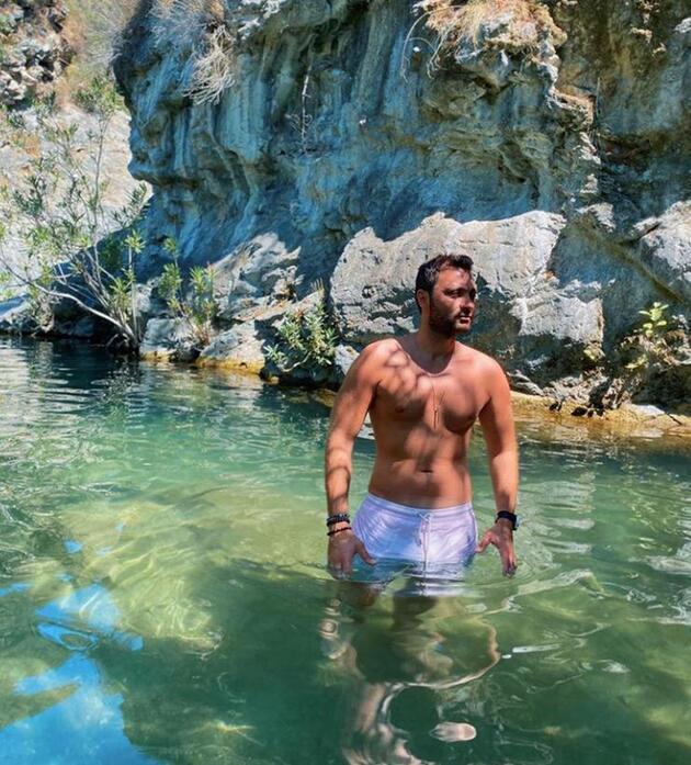 Deren Talu ile Baran Tınaz aşk tatilinde