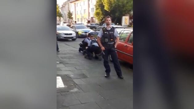 Almanya'da polisten Türk aileye darp iddiası
