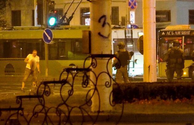 Belarus'ta protestolar sürüyor: Vurularak öldürülen göstericinin görüntüleri ortaya çıktı