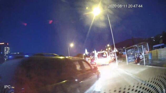 Son dakika... Minibüs şoförü ve mahalle bekçisinin darp edilme anı kamerada