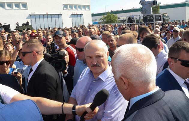 Belarus'ta Lukaşenko'nun işçilerle zorlu imtihanı