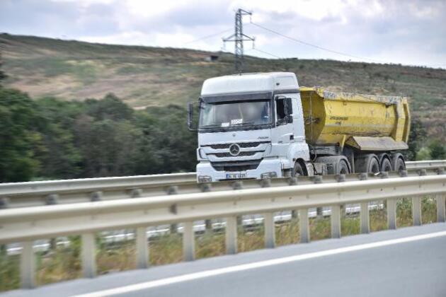 Son dakika... Hafriyat kamyonları hız sınırı tanımıyor