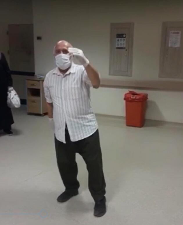 75 yaşında koronavirüsü yendi, taburcu olurken 'harmandalı' oynadı