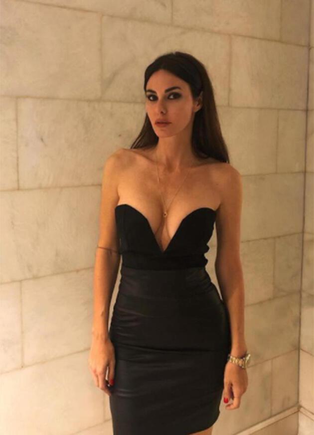 Defne Samyeli bikinili pozlarıyla sosyal medyayı salladı