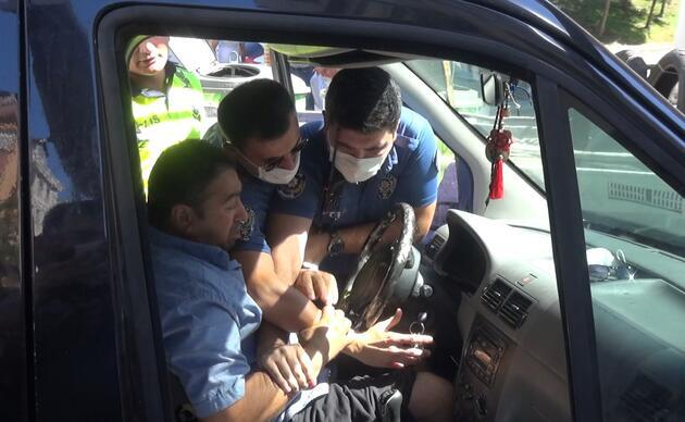 Aracının çekilmesini istemeyen sürücü polise zor anlar yaşattı