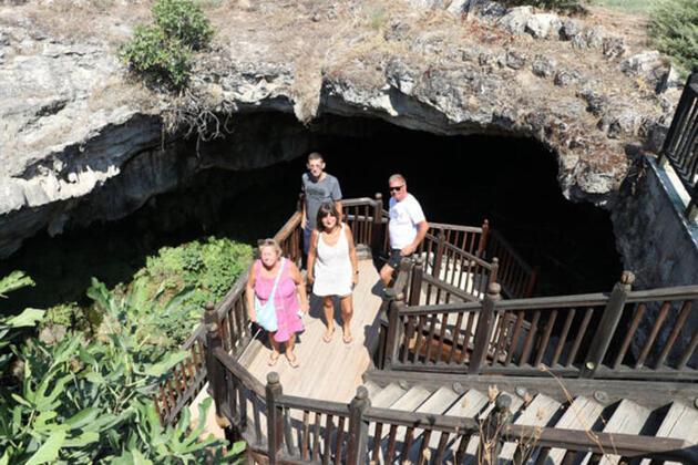 'Yer altındaki Pamukkale' görenleri hayran bırakıyor