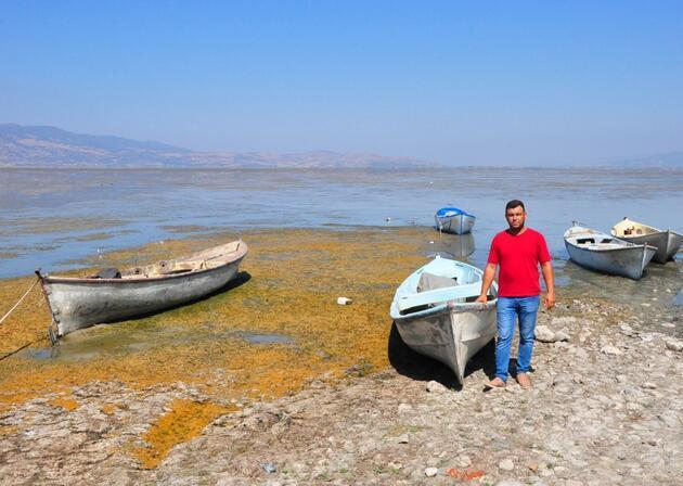 Marmara Gölü'nde su 500 metre çekildi, derinlik 1 metreye düştü