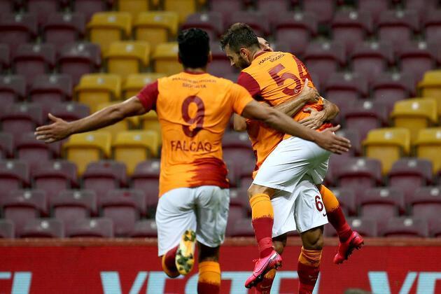 Son dakika... Galatasaray'da Emre Kılınç ve Etebo şoku!