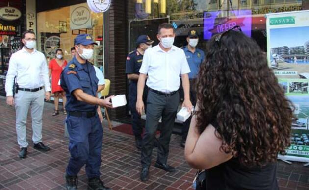 'Ameliyatlıyım, nefes alamıyorum' diyerek maske takmayan vatandaş cezadan kurtulamadı