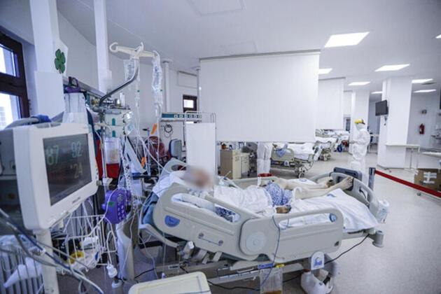 Sağlık çalışanları gün geçtikçe tükeniyor... İstifa ya da emekliye ayrılma haberleri gelmeye devam ediyor