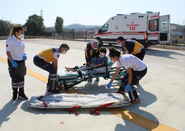 Gözünden yaralanan çocuk, helikopter ambulansla Bursa'ya sevk edildi