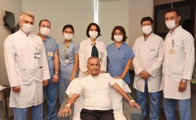 Son dakika.. 4 ay sonra yoğun bakımdan çıkan korona hastası: Neden herkes maskeli?