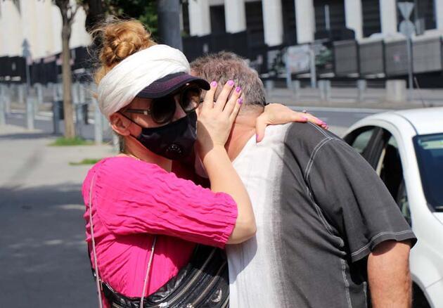 Son dakika... Beyoğlu'nda gaspçılar neye uğradığına şaşırdı, Amerikalı aile karşılık verdi, şüpheliler kaçtı