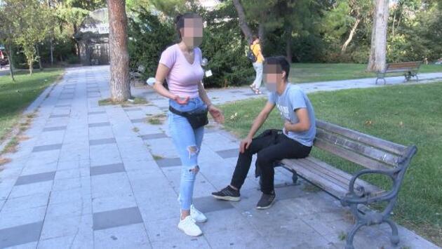 Son dakika.. Genç kız arkadaşını bıçaklayıp başında bekledi