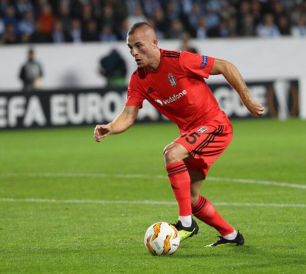 Son dakika... Terim'le görüştü, Beşiktaş'a imza attı!
