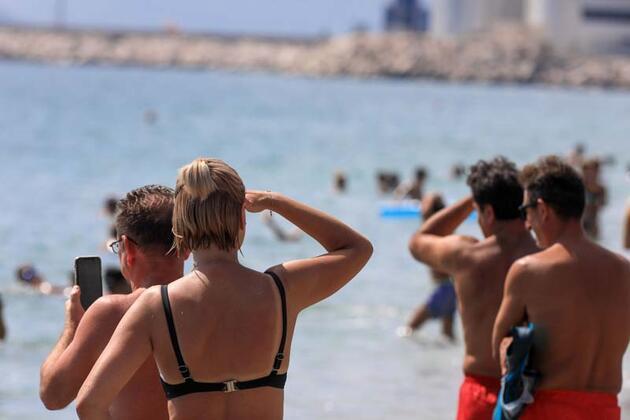 Son dakika... Antalya açıklarındaki denizaltı ilgiyle izlendi