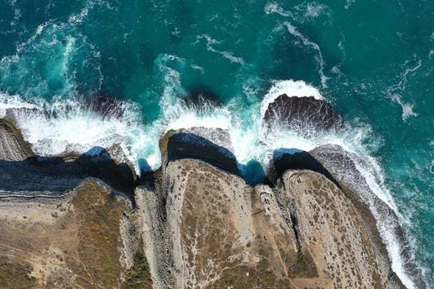 İstanbul'un kartpostallık kayalıkları! Günübirlikçilerin uğrak yeri oldu