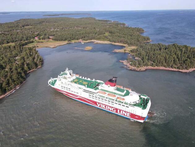 Son dakika... Finlandiya bandıralıyolcu gemisi Baltık Denizi'nde karaya oturdu