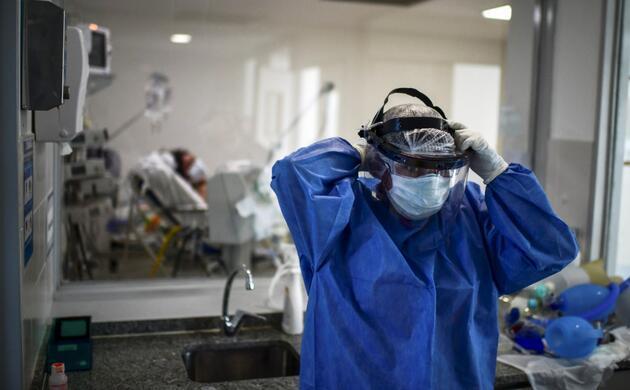 Alman virolog: Maskelerden kurtuluş yok