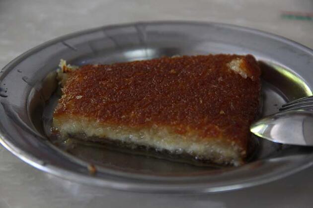 Hatay'ın tescilli lezzetleri 'kağıt kebabı' ve 'künefe'ye ilgi büyük