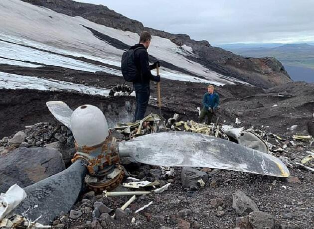 II. Dünya Savaşı'nda düşmüştü... Eriyen buzullar nedeniyle 76 yıl sonra gün yüzüne çıktı