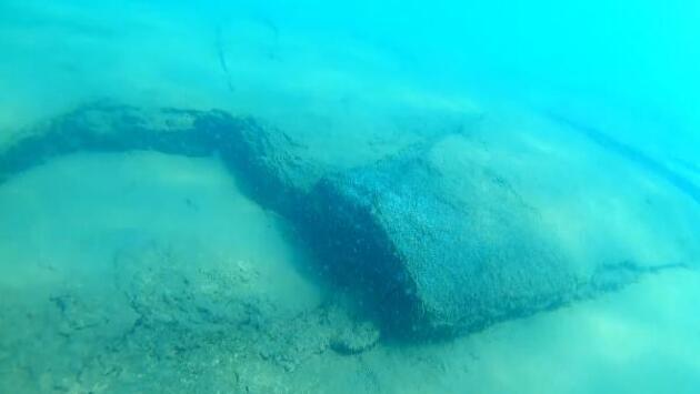 Son dakika.. Van Gölü'nde eski yerleşim yeri kalıntılarına rastlandı