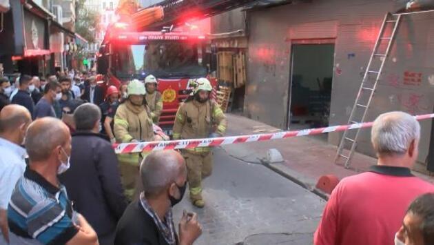 Son dakika.. Beyoğlu'nda çatıdan düşen kadın ağır yaralandı