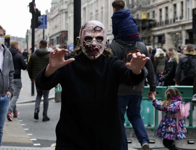 Koronanın gölgesinde Londra yine karıştı
