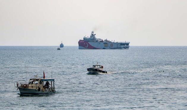 Son dakika... Oruç Reis, Antalya Limanı'ndan ayrıldı