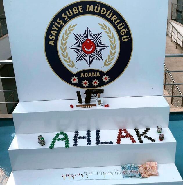 Adana polisinden kumarhaneye çevrilen eve baskın: 130 bin lira ceza kesildi
