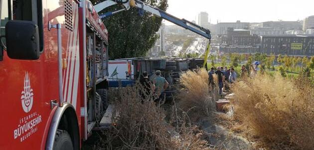 Bağcılar'da freni boşalan kamyonetin altında kalan şoför hayatını kaybetti