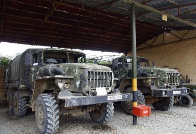 Azerbaycan ordusu ele geçirdiği Ermenistan'a ait asker araç ve teçhizatların görüntülerini yayınladı