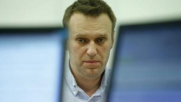 Son dakika... Rus muhalif Navalnıy zehirlenmesinin arkasında Putin'in olduğunu iddia etti!