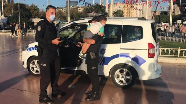 Taksim'de kaybolan çocuğu polisler buldu